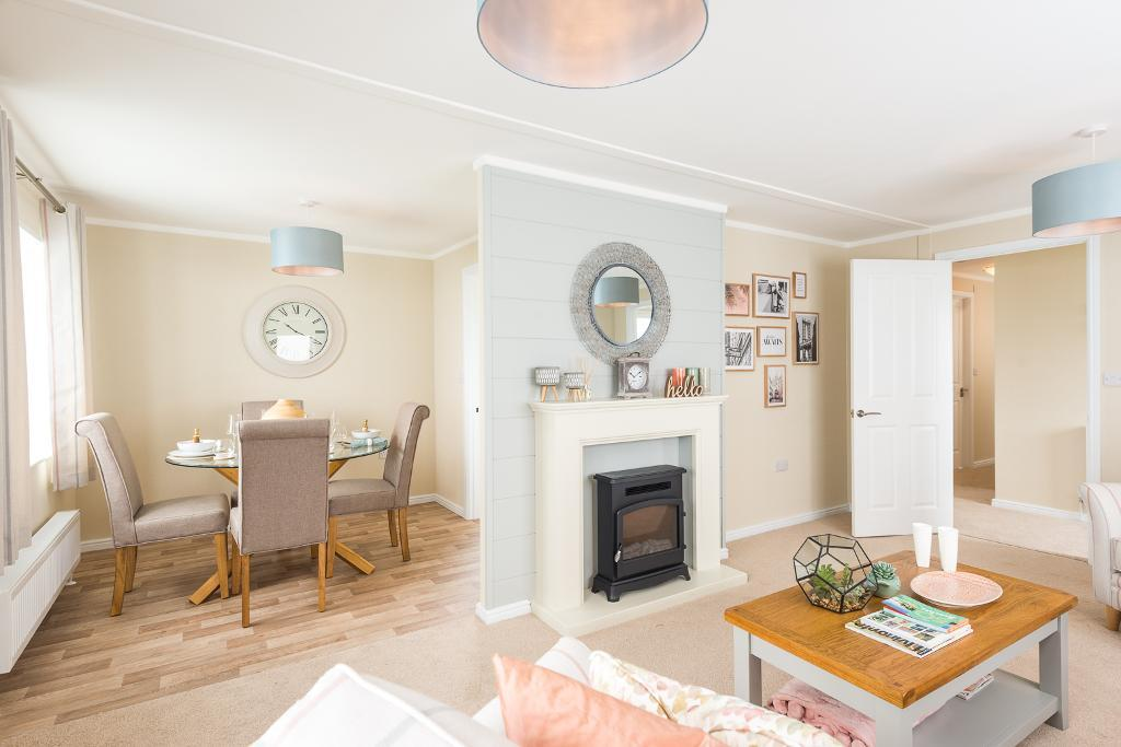 2 Bed New Park Home Property for Sale in Fordingbridge, SP6 3BW by Right Choice Park Homes