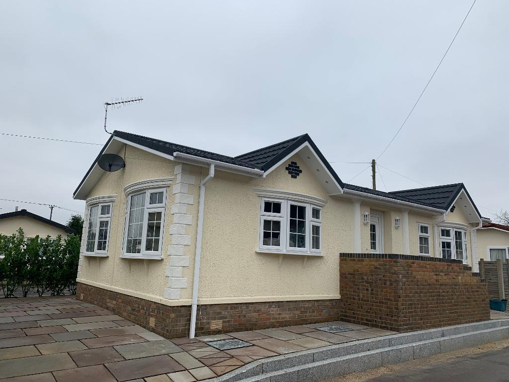 2 Bed New Park Home Property for Sale in Ferndown, BH22 2BW by Right Choice Park Homes