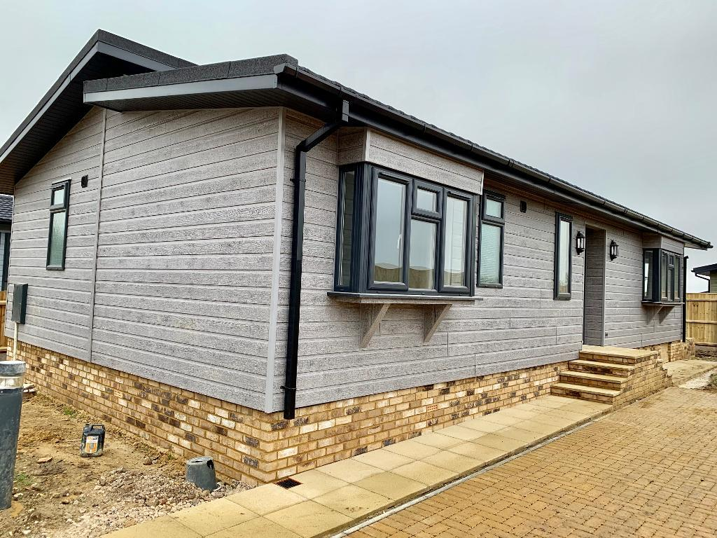 2 Bed Bungalow Property for Sale in Dorchester, DT2 9DS by Right Choice Park Homes