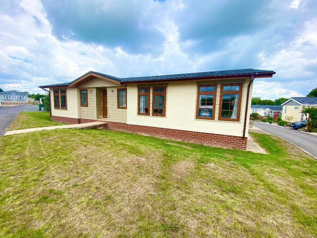 2 Bed Bungalow Property for Sale in Yeovil, BA22 7QA by Right Choice Park Homes