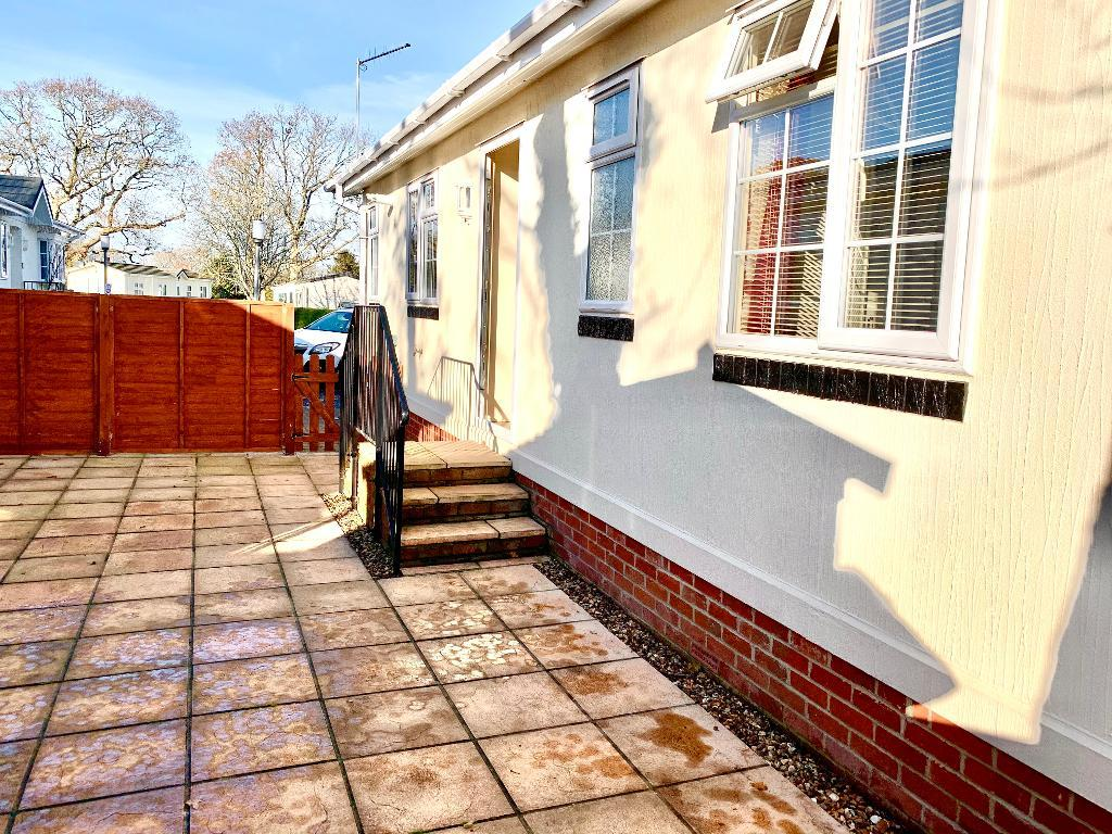 2 Bedroom Preowned Park Home for Sale in Stoborough, BH20 5AZ by Right Choice Park Homes