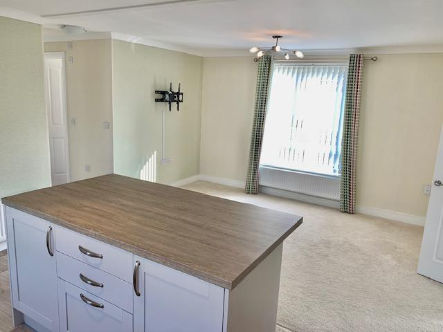 2 Bedroom Preowned Park Home for Sale in Fordingbridge, SP6 3BW by Right Choice Park Homes